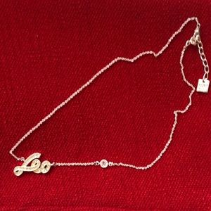 Nine West Leo with stones necklace
